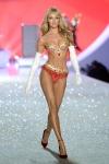 1384414583519_Victorias-Secret-2013-Runway-Show-01-Candice-Swanepoel