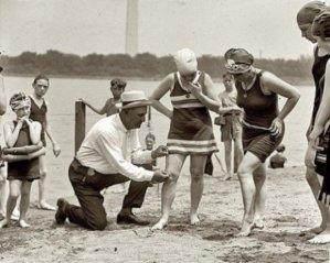 1910: Les genoux sont libérés ...