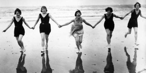 1920: Les cuisses sont dévoilées!