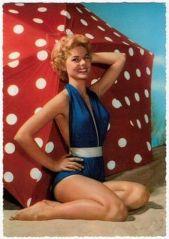 1950: Frou frou, poids et taille haute.
